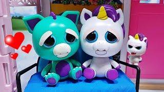 Mini Misfits Feisty Pets Glenda Glitterpoop has a surprise for big ...