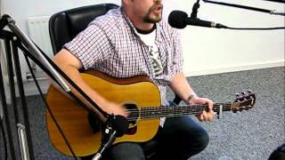 Graeme C Bell While You Were Gone live on Phoenix FM.mp3