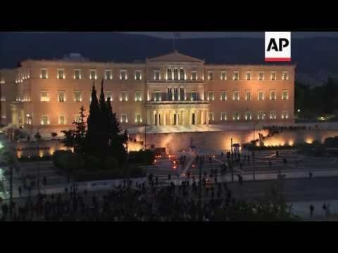 Clashes as Greece prepares for austerity vote