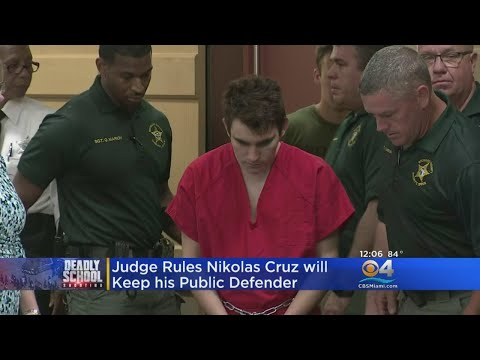 Confessed Parkland Shooter Will Stay With Public Defender