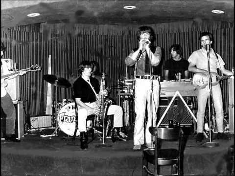 Phil & The Frantics - To Me