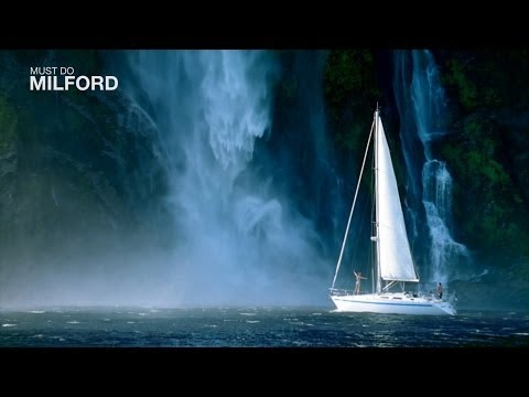 Things to do Milford Sound New Zealand, there are scenic flights and boat trips on the Milford Sound
