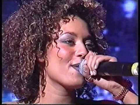 Spice Girls - 2 Become 1 (Live in Lyon)