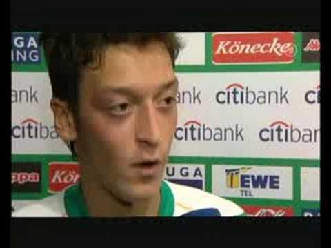 Philipp Stelter Interview - Mesut Özil