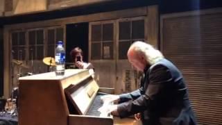 Backstage sneak peak: Bill Bailey