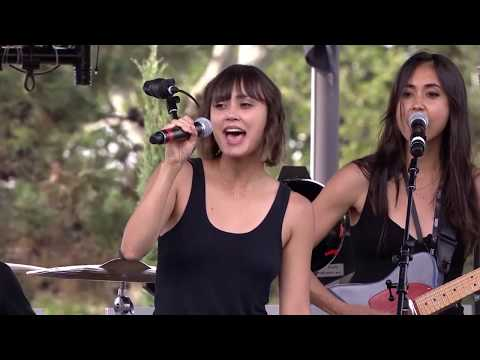 Meg & Dia Performance - Forever Warped 25 Years Of Vans Warped Tour