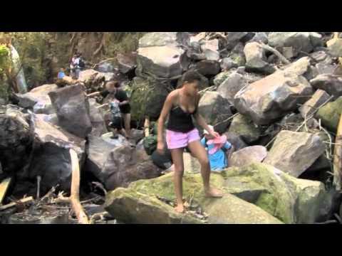 Vandfaldet ind i junglen