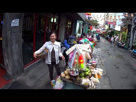 Pham Ngu Lao Street || Backpacker street in Saigon || Vietnam Discovery Travel