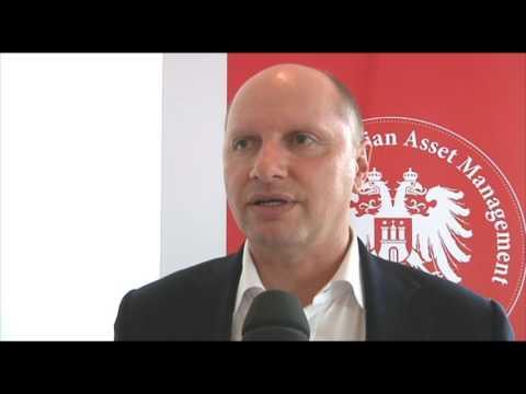 Ralf Flierl ueber Auswandern, Aktien und Edelmetalle