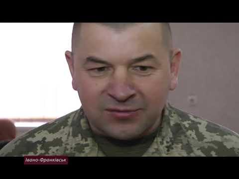 Хто і як має викладати військову підготовку у школі?