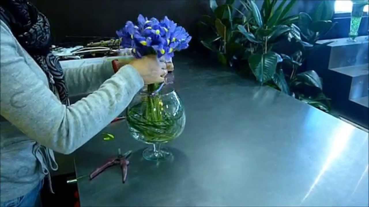 Bevorzugt Bouquet d'iris en vase rond - YouTube HP75