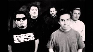 Watch Los Lobos Short Side Of Nothing video