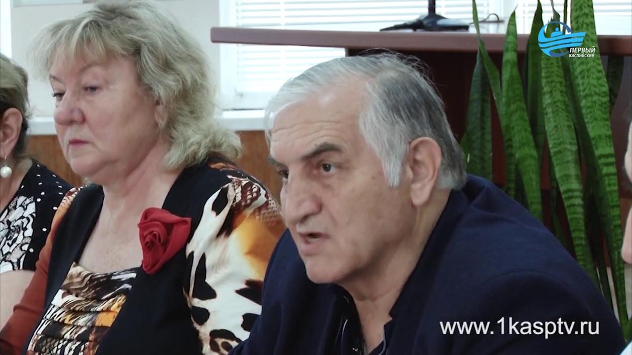 Жильцы ветхого общежития на улице  Алферова 3б обратились с жалобами к городской власти