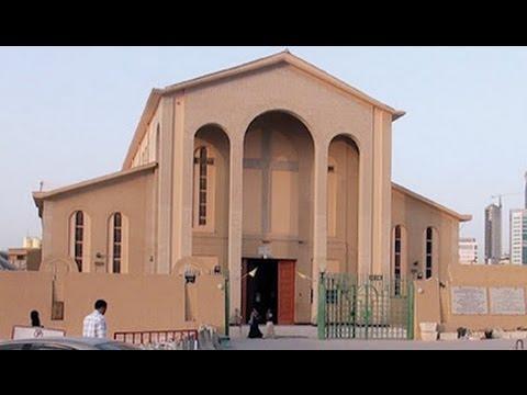 Muslim brandishing knife disrupts Catholic Mass