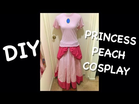 DIY Princess Peach Cosplay