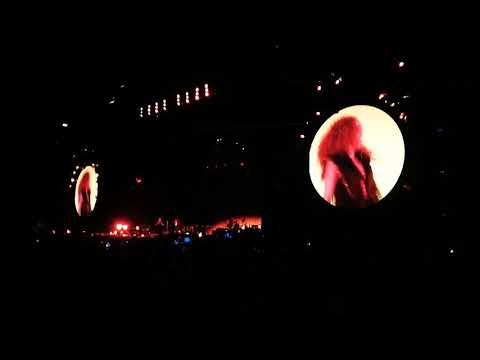 Shakira - La Tortura live at Estadio Azteca México