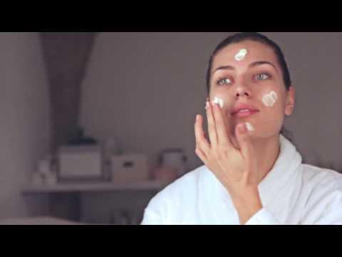 Aurelia Probiotic Skincare | Cell Revitalise Rose Mask
