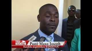 Présidentielles 2015: Le Pasteur Maxo Joseph de Randevou lors de son inscription