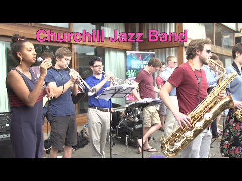 Churchill Jazz Band give free concert for students in the sun