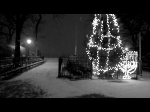 NYC First Snow, Part 1: Night - Brooklyn Heights Promenade