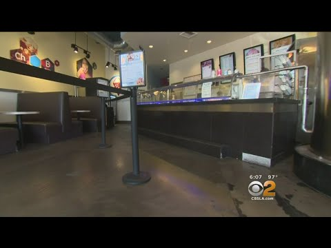 Burglars Hit 11 Simi Valley Stores In Early Morning Spree