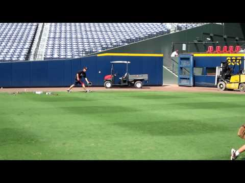Carter Throws to Kris Medlen