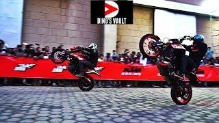 Best Stunts KTM Stunt Battle ft. Duke 250, 200 #DinosVlogs