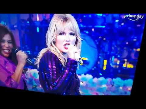 taylor-swift-live-performance-you-need-to-calm-down