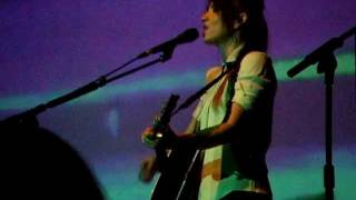 Vanessa Carlton & Kt Tunstall - 'I Dont Wanna Be A Bride' Live
