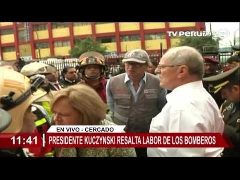 Presidente Kuczynski destaca labor de bomberos en incendio de Cercado de Lima