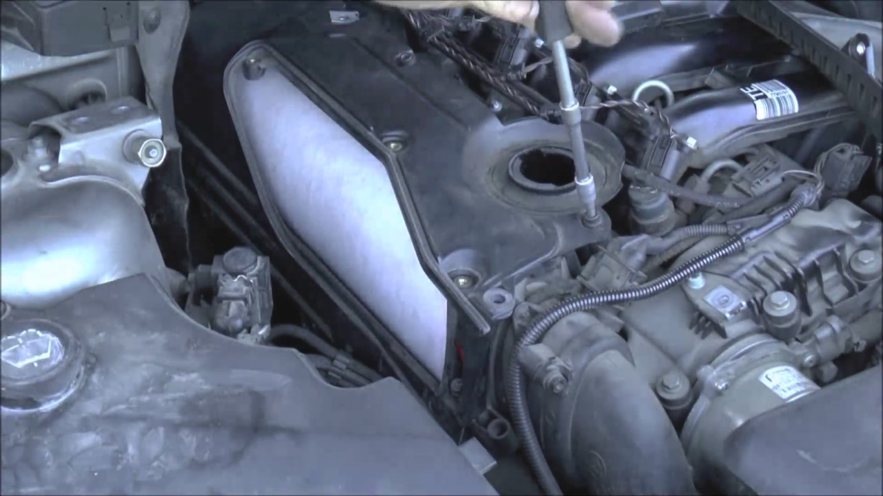 how to remove replace the air filter on 3 0d bmw [ 1280 x 720 Pixel ]