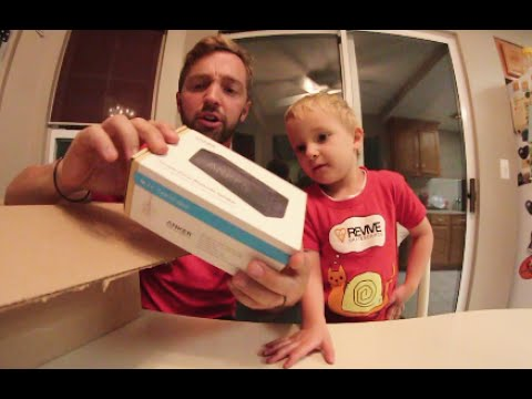 3 Year Old & Dad Unboxing / ANKER Products