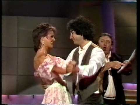 Frida (ABBA) - Baby Don't You Cry No More (Danish TV) - ((STEREO))