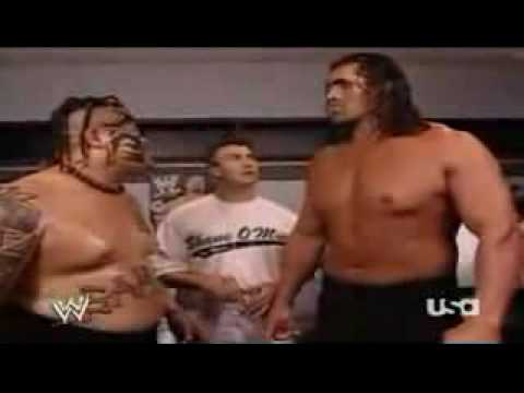 The Great Khali and Umaga Speaking to eachother *FUNNY*