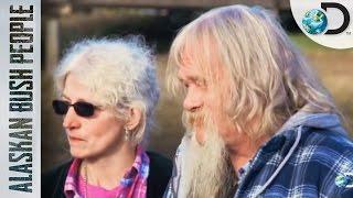 La salud de Billy Brown empeora | Alaska: Hombres Primitivos | Discovery Latinoamérica