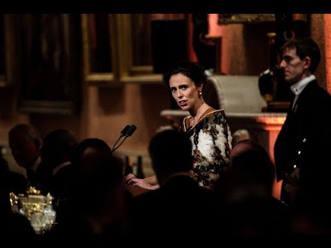 Jacinda Ardern mingles with leaders and royalty at CHOGM banquet