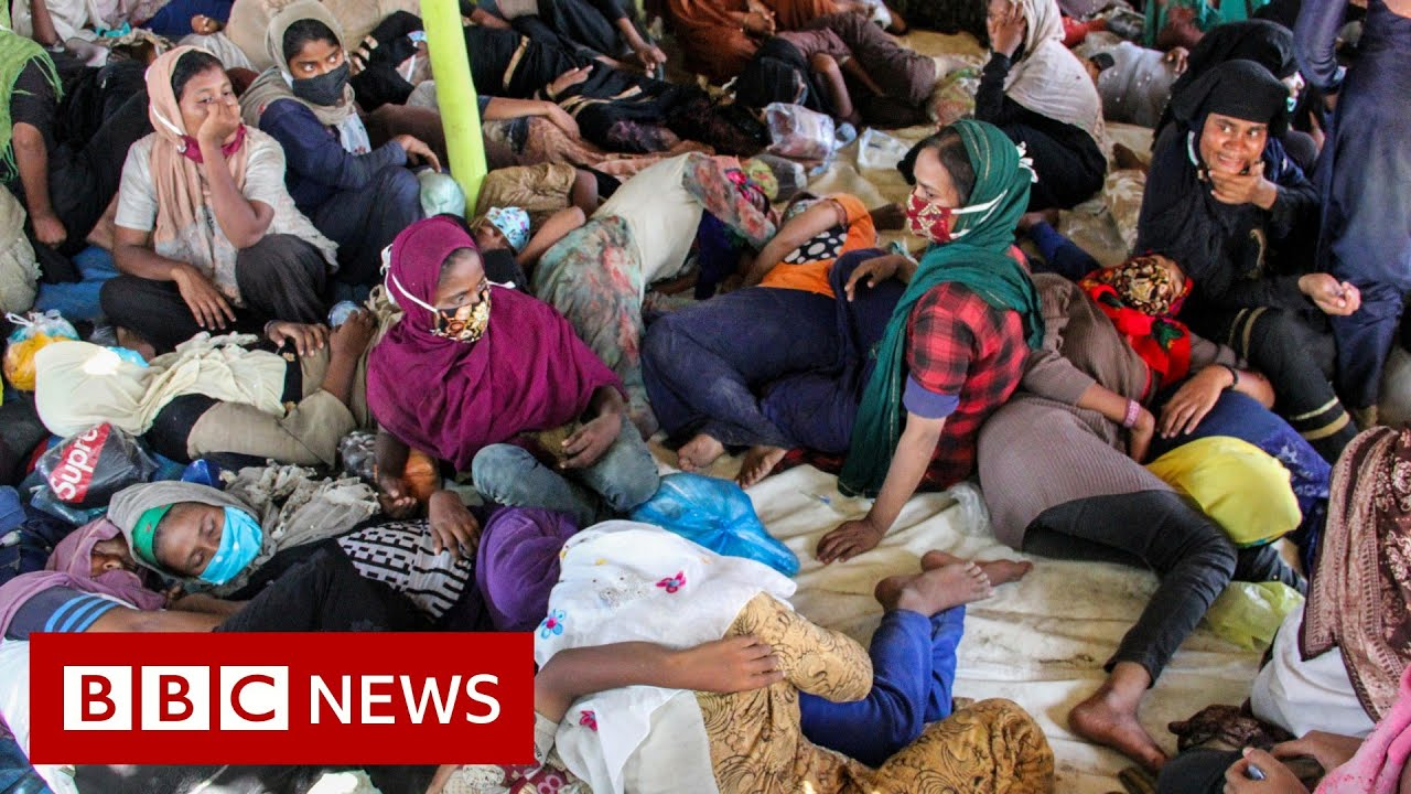 Rohingya crisis: Nearly 300 refugees land in Indonesia after months at sea - BBC News