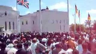 Hazur's Arrival at Baitul Islam Mosque Toronto 2008 8