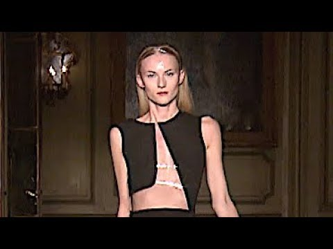 AMAYA ARZUAGA Spring Summer 2013 Paris - Fashion Channel