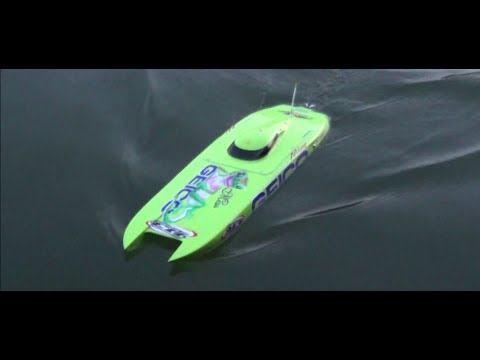 Rc boat Mystic c5000 crash