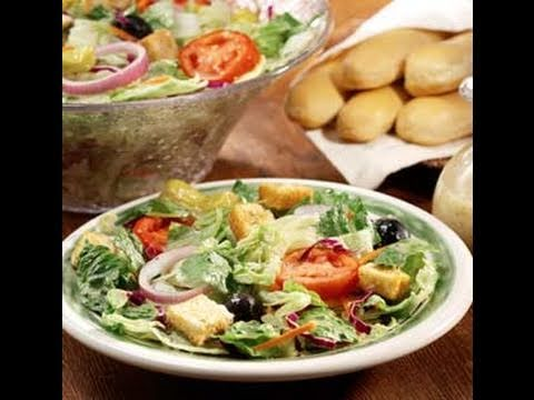 How To Make Olive Garden Breadsticks And Salad Youtube