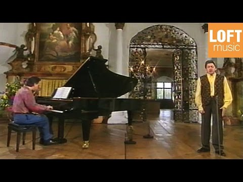 Francisco Araiza sings Robert Schumann's song cycle ''Dichterliebe''