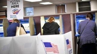 Electoral College delegate threatened to change his vote