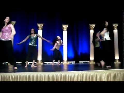 Bollywood Dance On 'Thug Le' & 'Zero Hour Mash Up'!