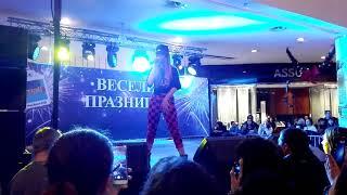Михаела Маринова -Листата падат