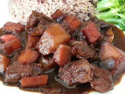 Jamaica Brown Stew Beef Served With Rice Peas Veg