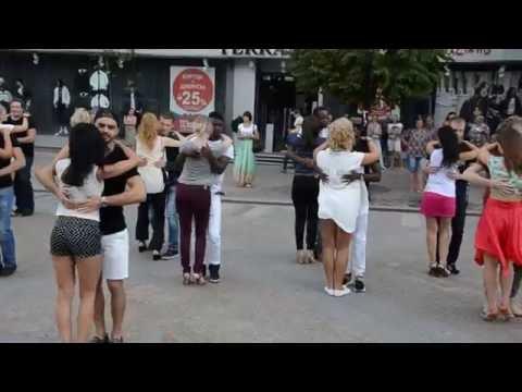 Флешмоб по кизомбе-2016. магазин Terranova