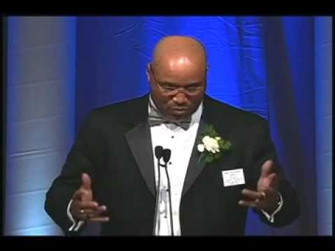 Cornelius Bennett, 2005, Walter Camp Football Foundation, Alumni Award