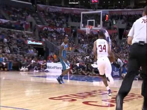Willie Green Alley Oop To Blake Griffin - 11/26/12