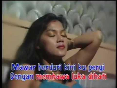 Mawar Berduri - Pance F. Pondaag | Rak VCD